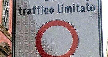 Viabilità: sospesa in via sperimentale la zona a traffico limitato in via Ortigara
